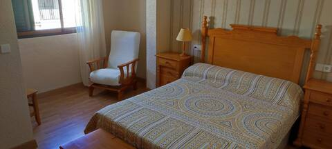 Guest rooms w. private bath, pool, close to beach