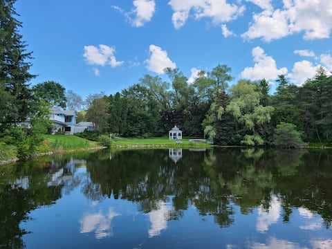 Luxury 6bedrm cottage: lakes,beach,golf,trail&more