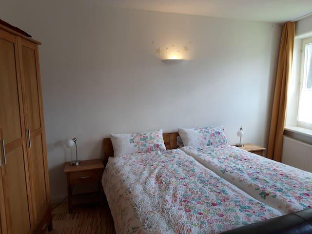 Doppelbett 180x200 oder 2 Einzelbetten