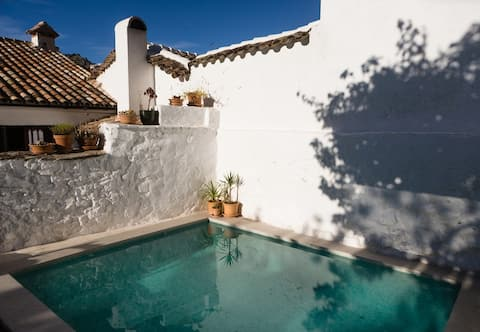 Fab double room in Mountain guest house Grazalema