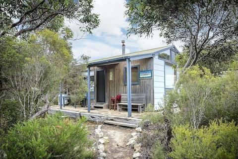 Honeyeaters' Hideaway, Vivonne Bay - cosy KI cabin