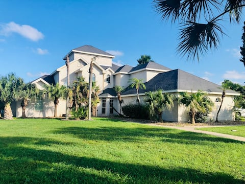 Tropical Mansion on the bay! Stunning Views! Golf!