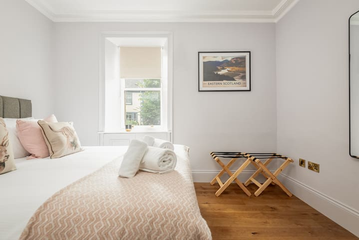 First Floor Bedroom - can be either double or twins
