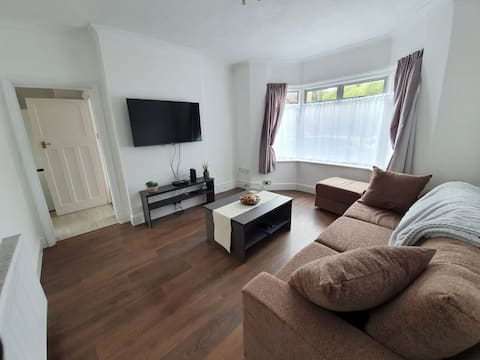 Lovely 2-bedroom ground floor flat with garden