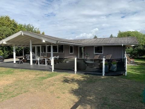 Sommerhus ved Stillinge Strand 250 m til stranden