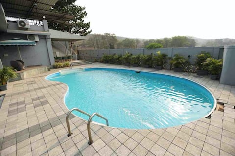 Jumbo pool villa, Ambernath