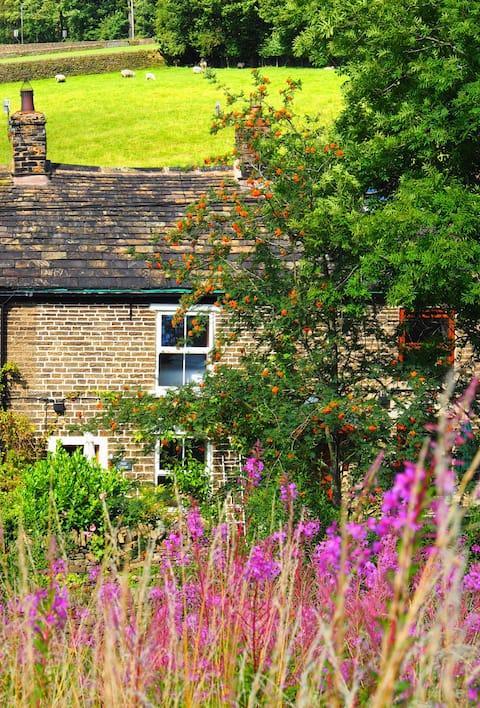 Lovely Peak District Cottage sleeping 3/4