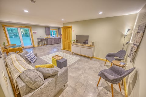 River's Bend NEW 1-bd Apt - 8 Mins to Montpelier