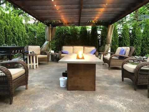 Peaceful Ridge Meadows Garden Suite