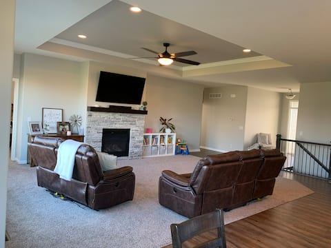 New & Bright 3-BR Residential Home Close to Offutt