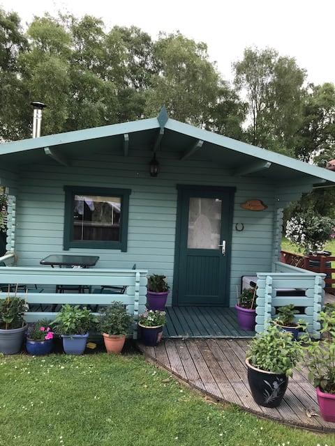 Lovely 1 bedroom Log Cabin near Inverness