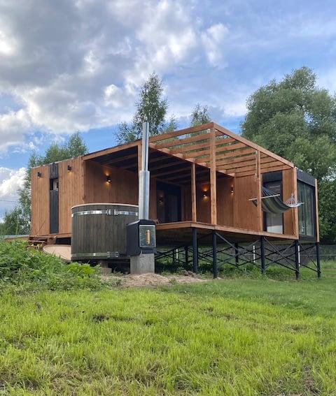 Kuća uz rijeku sa saunom i bačvom furaco