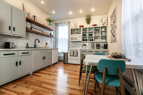 Amazing 4 bedroom townhome in downtown Dubuque!