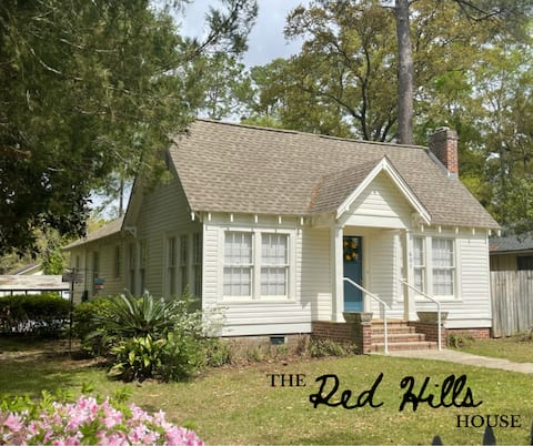 THE RED HILLS HOUSE (Downtown Thomasville)