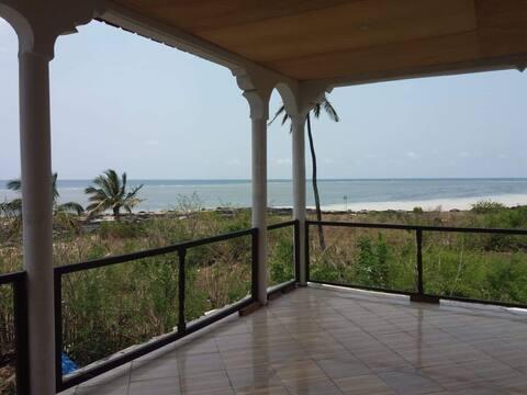 Maison équipée avec vue sur la mer / Plage privée