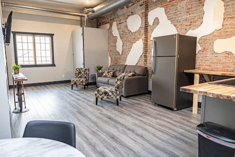 A spacious 2 bedroom loft in Cherokee