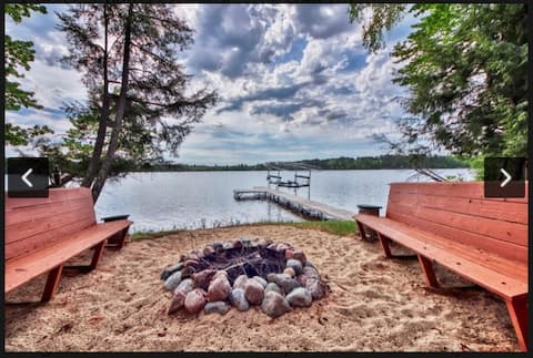 Secluded updated cabin, with sand beach frontage!