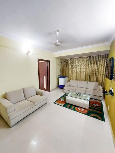 3 Bedroom Rental Flat with Car Parking Facility