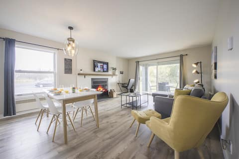 * OhMagog I * Condo in heart of Magog / KING BED