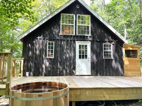 Idealisk Catskills-stuga med bubbelpool
