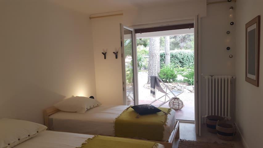 Chambre Enfants avec accès terrasse (2 lits simple)