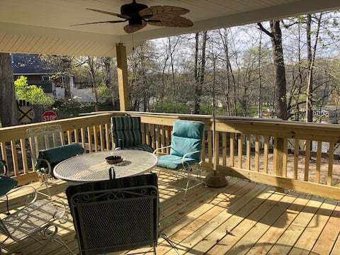 Riverfront home with access to Lake Freeman.