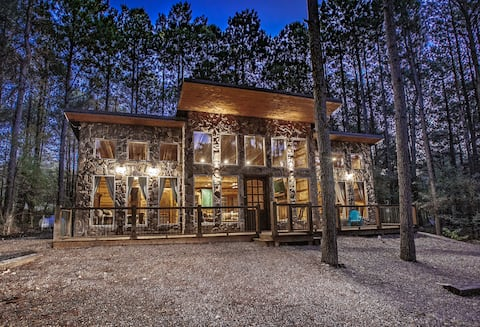 """""""Romancing The Stone"""", cabin. As Seen on HGTV."""