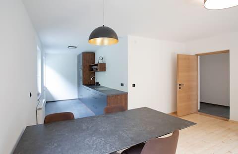 Helle, großzügige Wohnung mit Südbalkon im 1 Stock