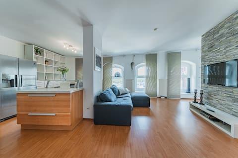 Spektakuläres Apartment ✩ 7. Stock ✩ Parkgarage