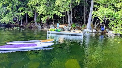 SOMETHING Special -WATERFRONT - hot tub, kayaks +