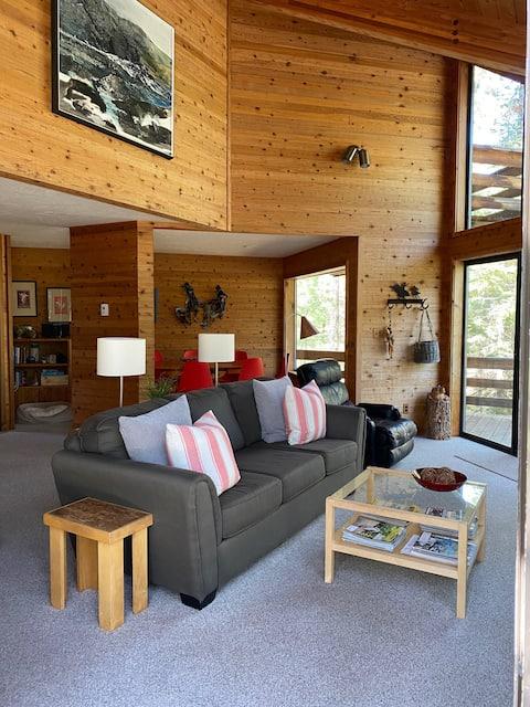 Black Butte Ranch 4-bd Golf home on 17th fairway