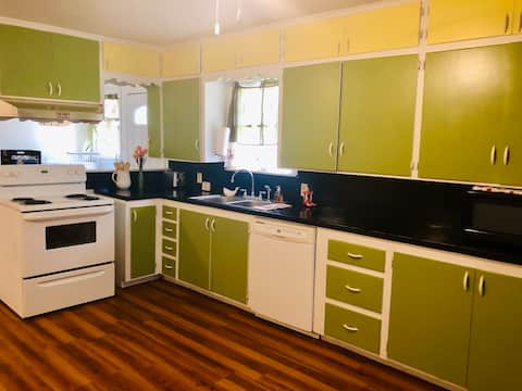 Avondale Cottage- No cleaning fee, No minimum stay