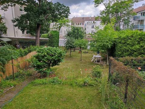 Schöne Ferienwohnung mit Balkon und Gartennutzung