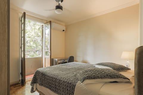 Amazing flat  in noble area - w garage, wifi 300mb