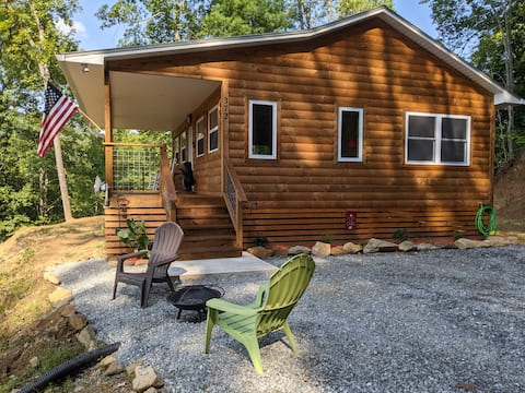 Mountain Blessings Bear Cabin 1