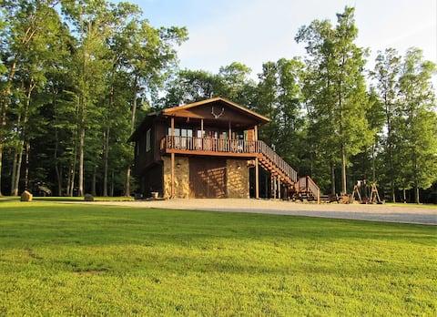 Lilly Bluff Cabin Getaway