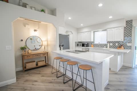 Your 3 Bed 2 Bath Havasu Home Away from Home!!!