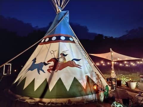 Tipi With Private Hot Tub, Access To Pool & Creek