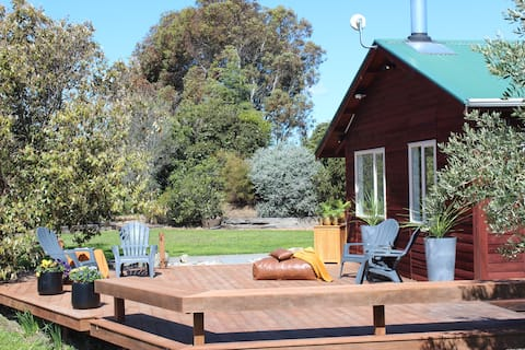 Awesome 2 bedroom cottage on the Golden Mile