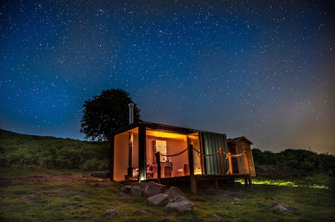 The View - idyllic & remote off-grid cabin