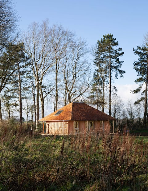 The Hermitage, Luxurious Wooden Countryside Cabin