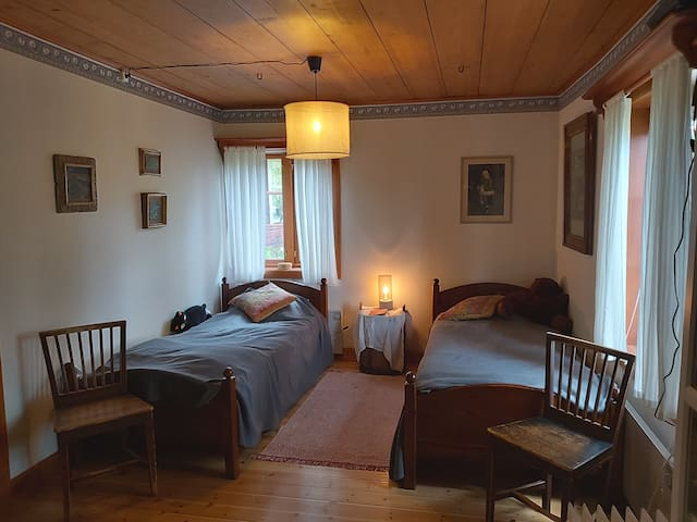 Sovrum i historisk miljö.
