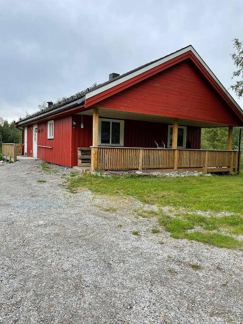 Trivelig hus på landet og nært naturen
