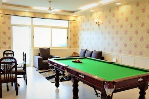 Hidden Gem-Moulsari Luxury Stays | 3 BR & Hall Apt