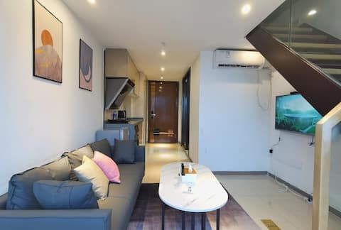 【拾光民宿公寓·落日灯拍照打卡INS风】七星岩附近复式一房一厅一拍照套房