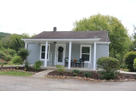 Renovated 2 BR 2BA Cottage in W Knox, Close to UT