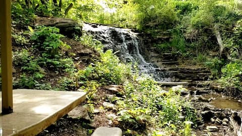 Bruce Lookout-8 acres, a waterfall and 2000 sf!!!