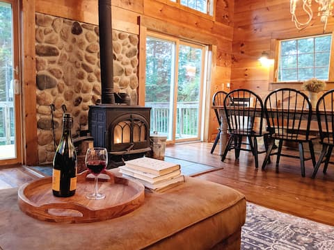 Mtn House w/Hot Tub & Game Room- Mt. Snow/Stratton