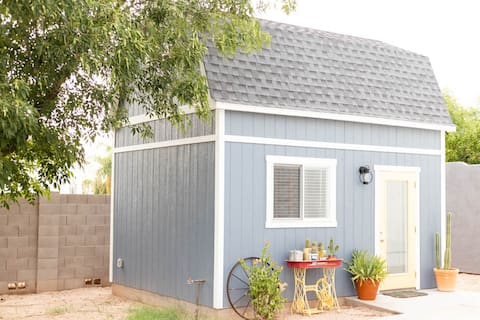Lovely Tiny Home with Goats and Alpacas