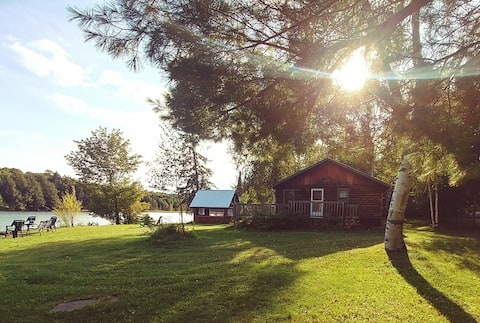 Secluded, peaceful 3bdrm cottage on a quiet lake